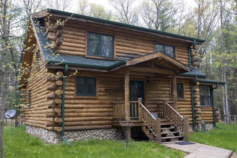 Wisconsin Log Home for sale