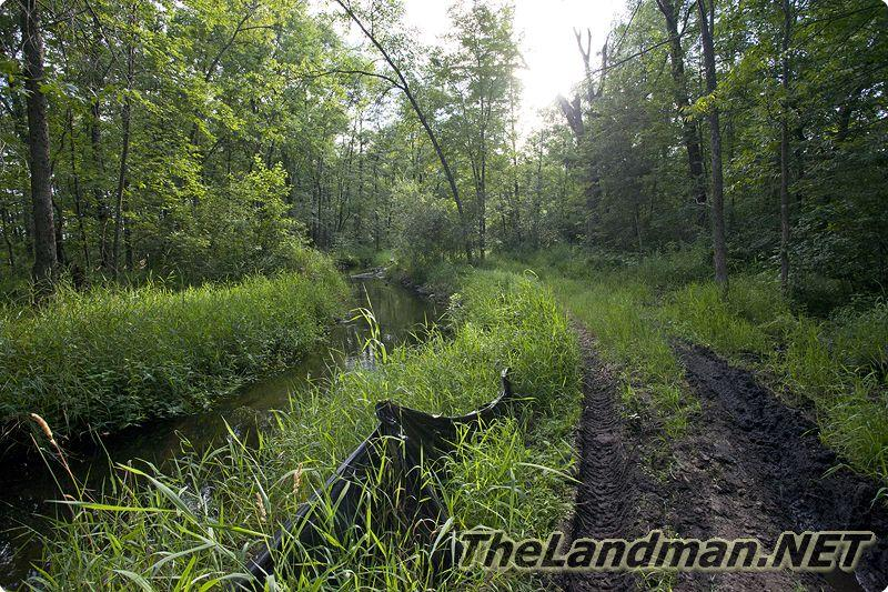 What are some popular public hunting grounds in Wisconsin?